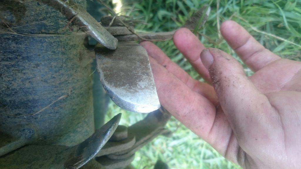 ハンマーナイフのナイフ摩耗